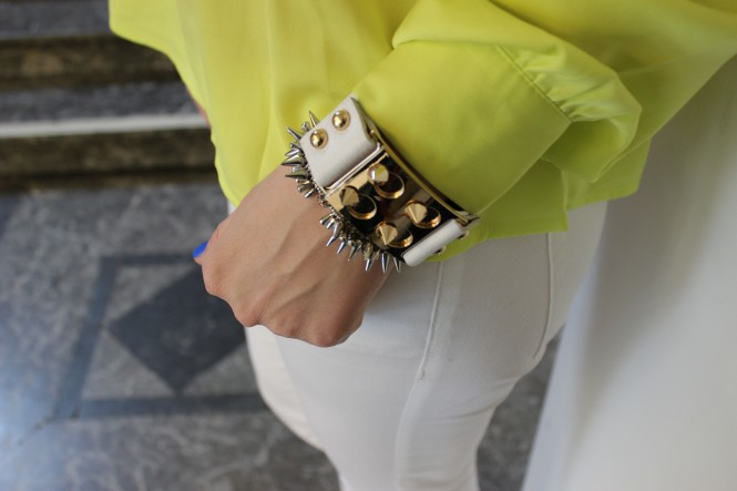 Savvy Spice fashion blog, neon top, white denim