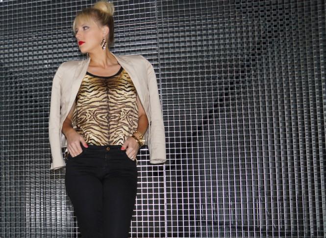 Savvy Spice fashion blog, Dale Janee Steliga, Dale Janee Schroeter, Kardashian style, black pants from Zara, Michael Kors watch, celebrity style for less, how to wear leopard print, tortoise shell heels