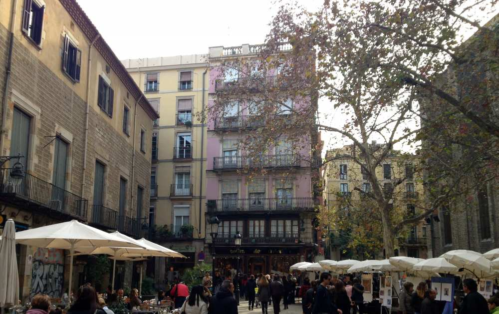 Barcelona city center Savvy Spice fashion blog