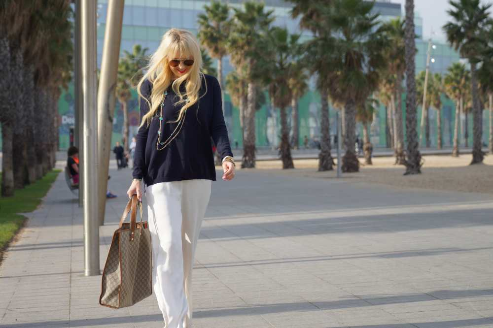 Savvy-Spice-fashion-blog-White-H&M-jumpsuit-travel-outfits