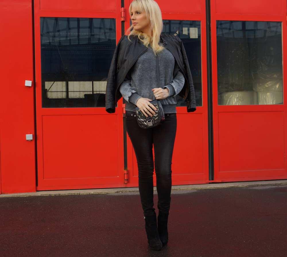 black-skinny-jeans-Savvy-Spice