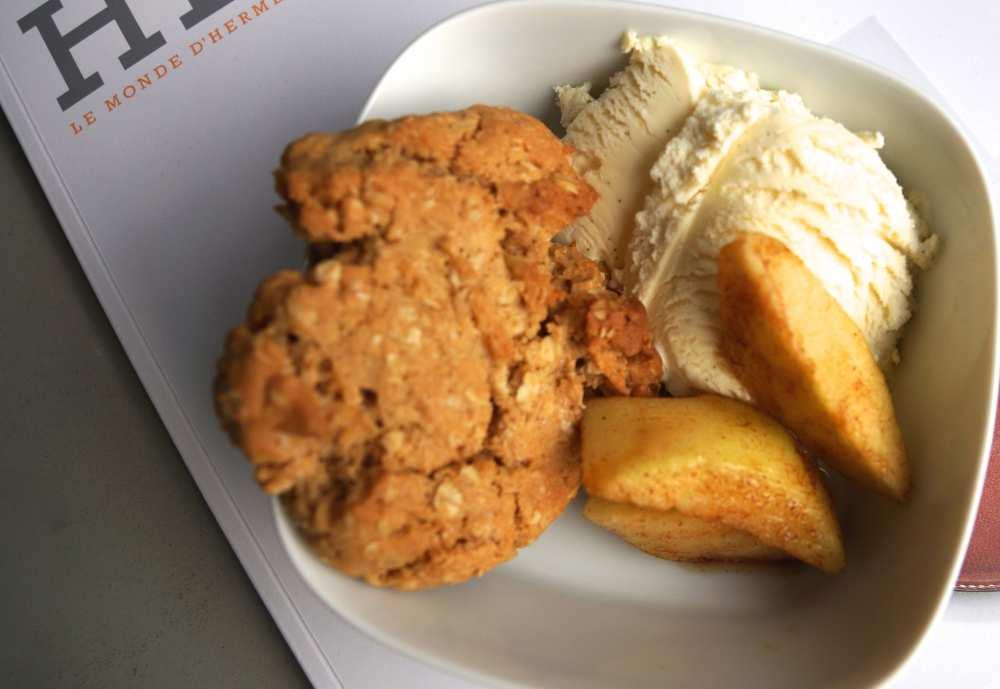 Dessert Savvy Spice fashion blog Apple Gobbler