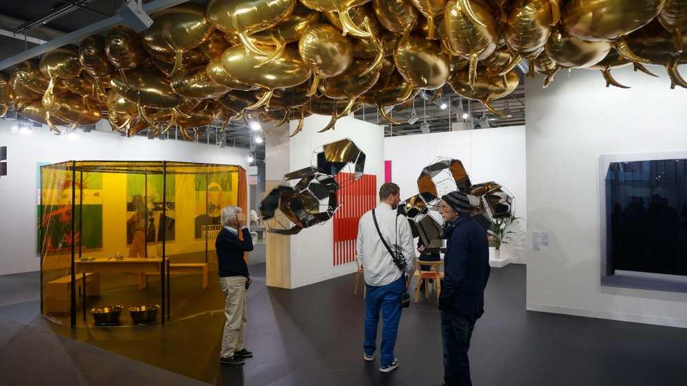 Gold balloons Art Basel
