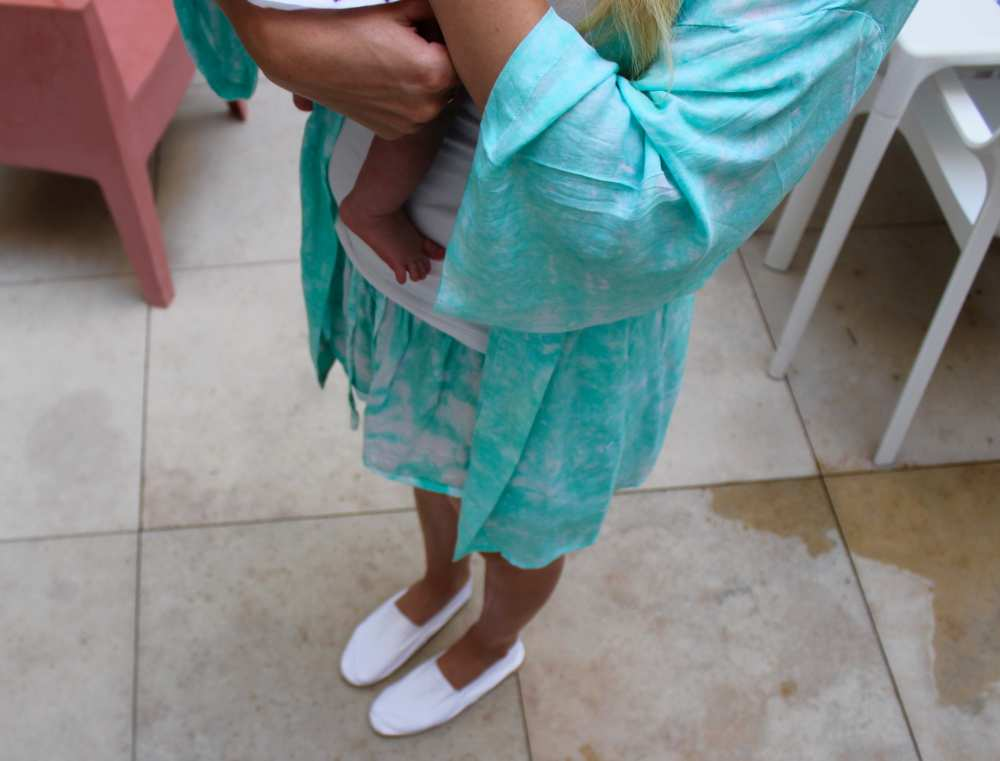 Savvy Spice fashion blog Dale Janee Mallorca traveling with a baby