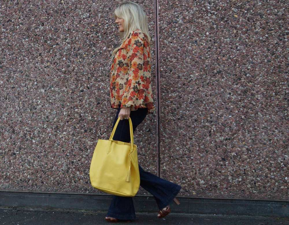 yellow leather bag 70s style