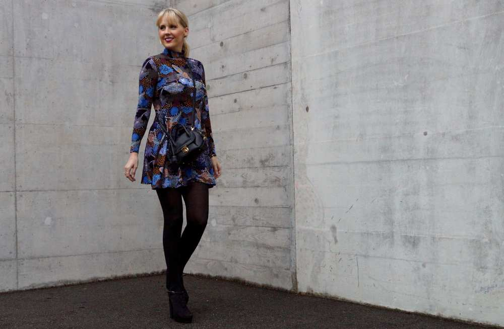 70s style black dress
