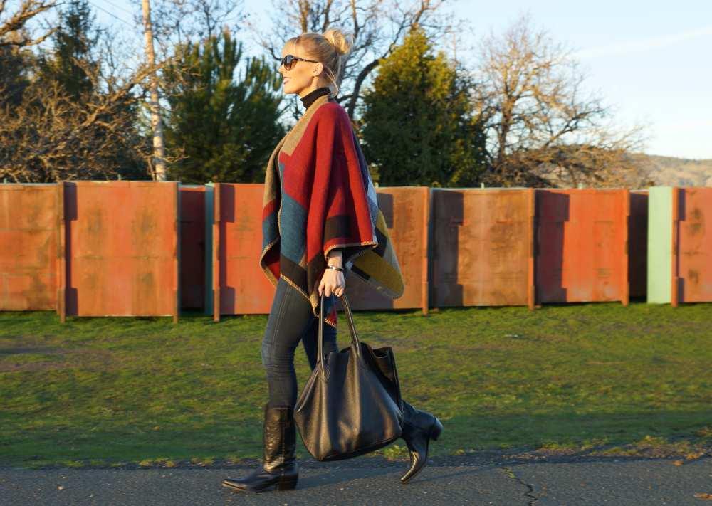 burberry cape knockoff adora black bag