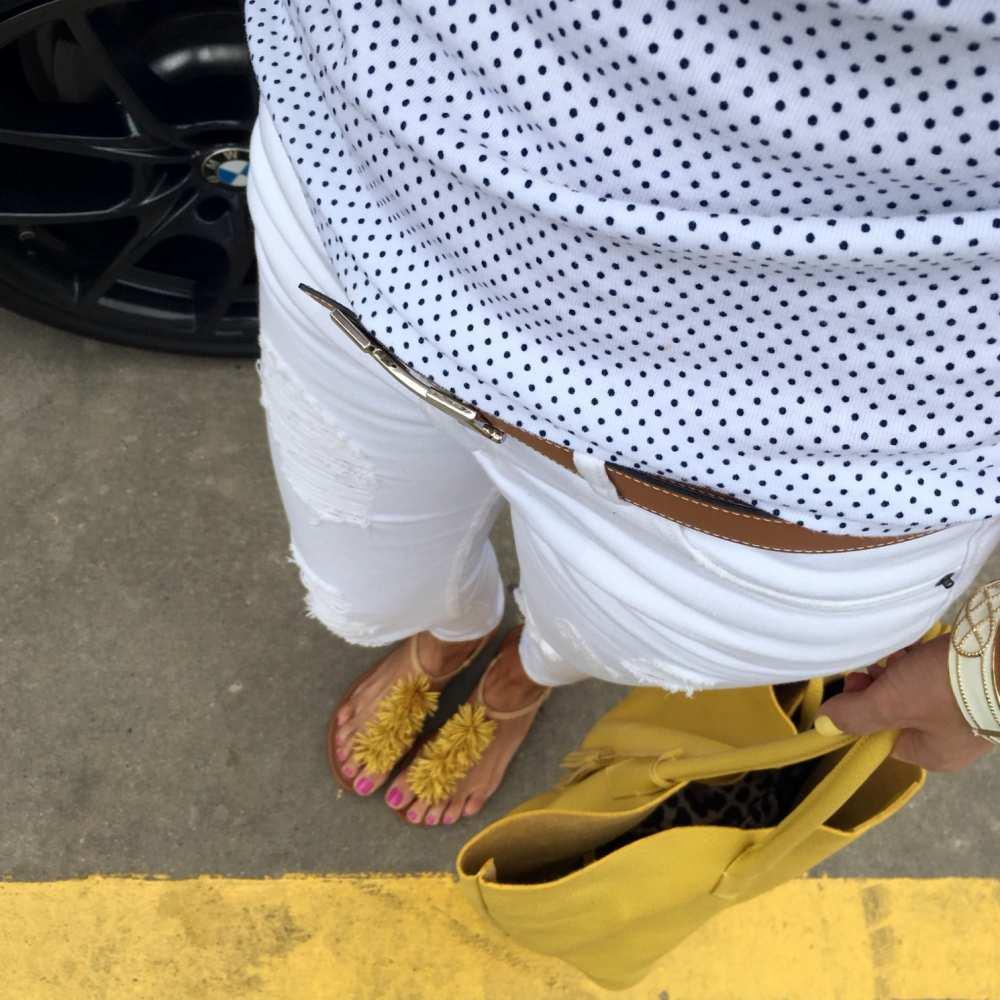 Details Adora tote white jeans
