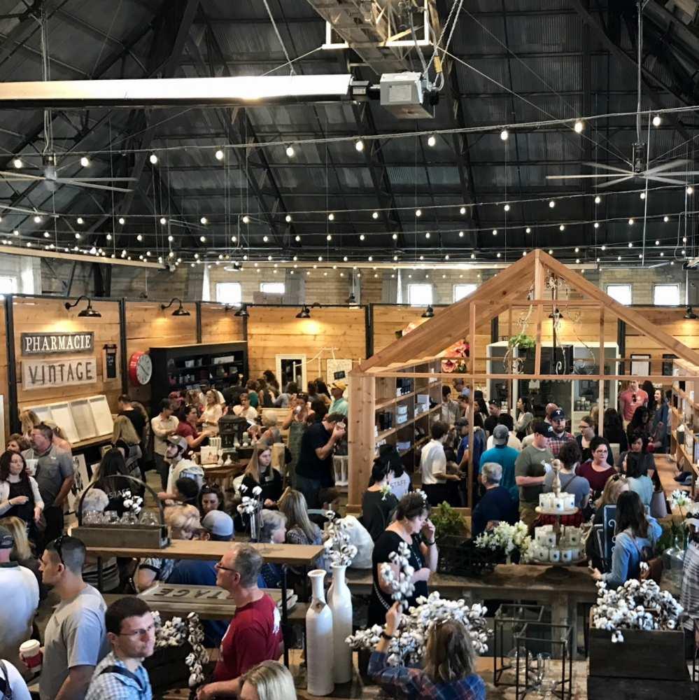 Magnolia Market Fixer Upper Show Waco Texas