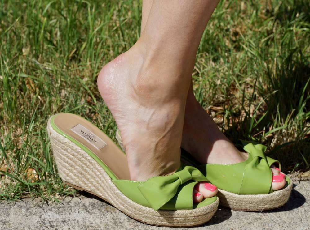 Green Valentino slip on sandals with bow